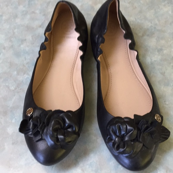 Tory Burch Shoes - Tory Burch black leather ballet flats